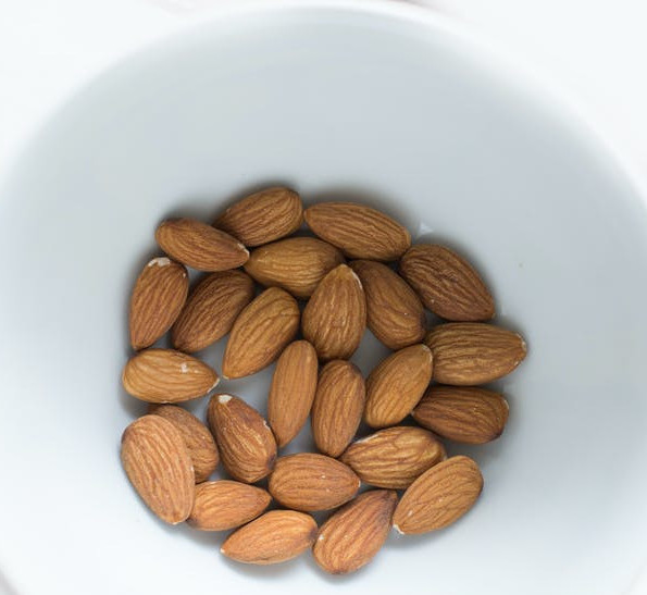 Juicing and Diabetes Control - handful of almonds