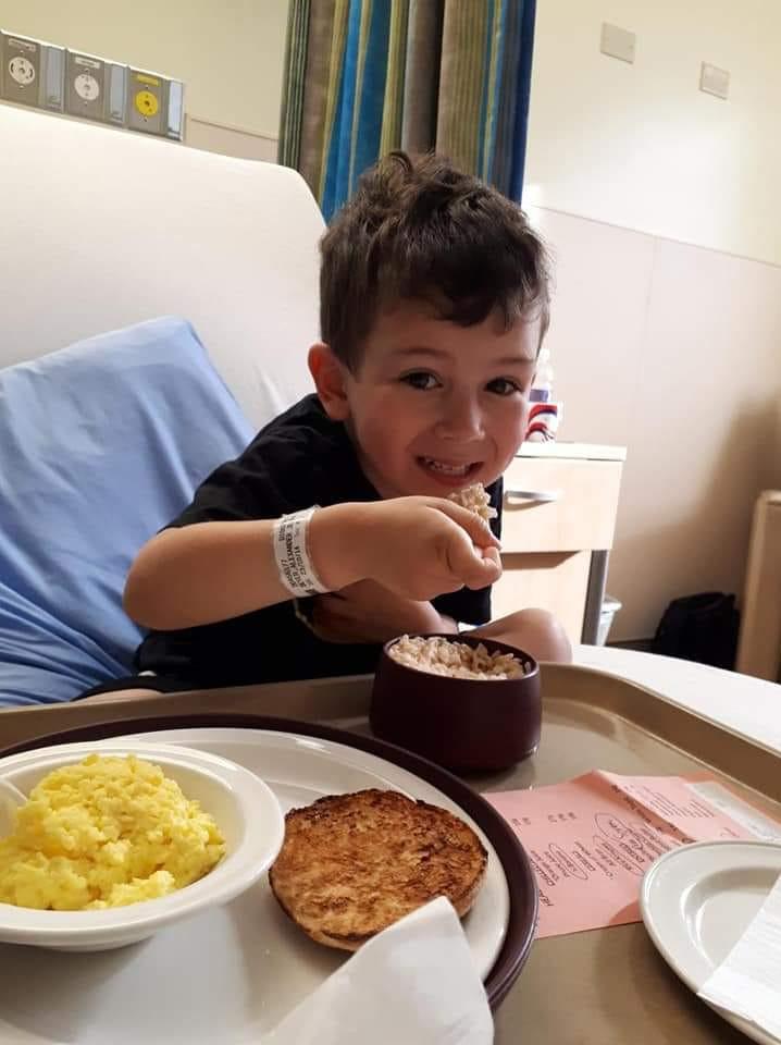 What Is Type 1 Diabetes - Alex have breakfast in hospital