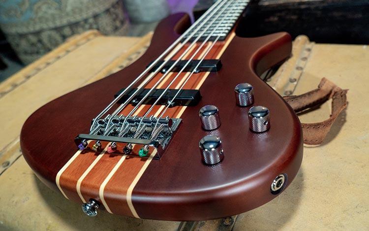 Washburn Taurus T25 Bass Guitar