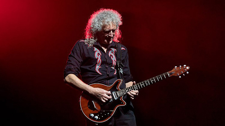 Brian May playing his Red Special