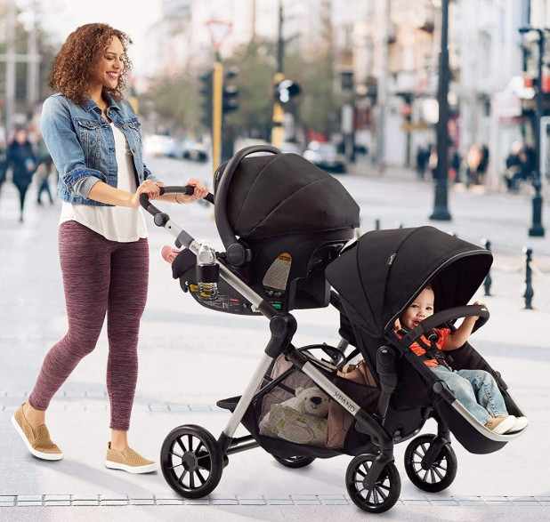 Credit ebaby. Evenflo Pivot Expand Single to Double Pushchair