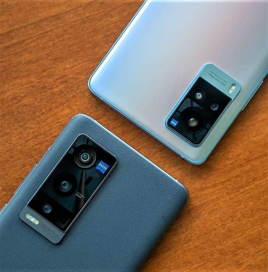 X60 Pro Plus(bottom) & X60 Pro(top)