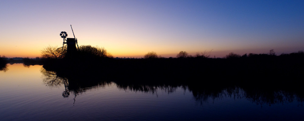 Hire A Boat On The Norfolk Broads - Sunset