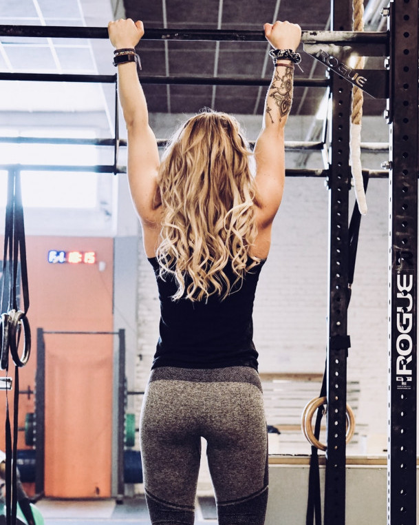 How To Build The Back Muscles - pullups