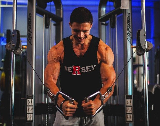 How To Build A Strong Core - cable workout