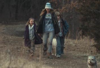 Top Mystery Movies - WINTER'S BONE Walking to school