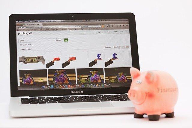Laptop-and-a-piggybank