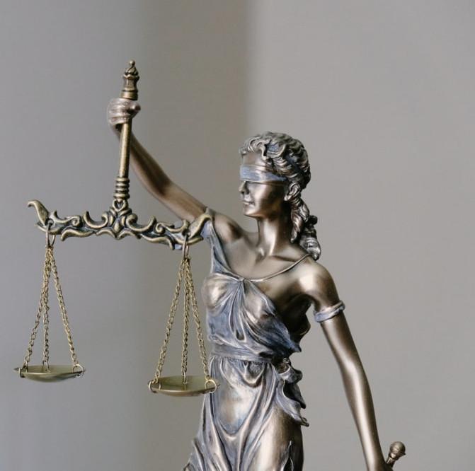 Legal-scales-figurine