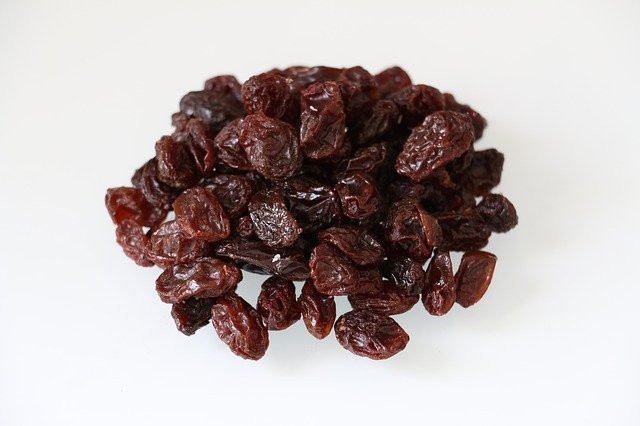 A portion of raisins