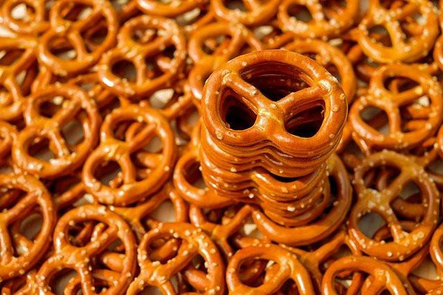 How To Increase Weight - 7 Best Tips - snack in between meals