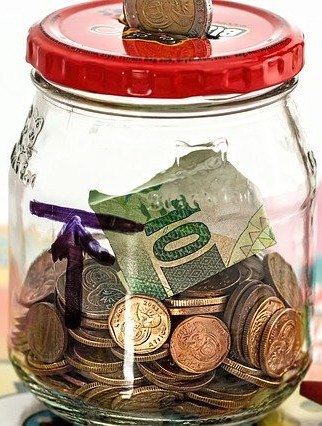 How to set up a monthly budget - money jar