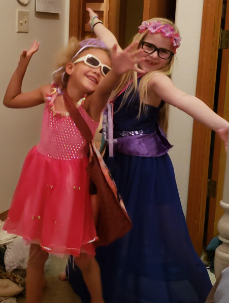 dealing with your child's friends - k and s playing dress up