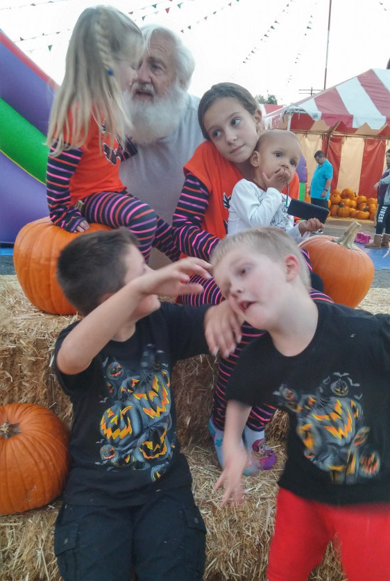 Reclaim the last 20 minutes of the day for yourself - pumpkin patch silly photo