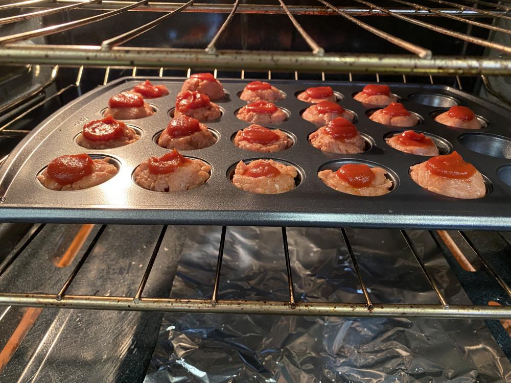 simple keto meatloaf minis