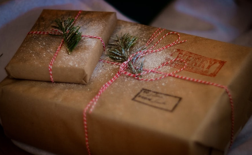 Farmhouse Christmas Wrapping Style | Your Casa Concept