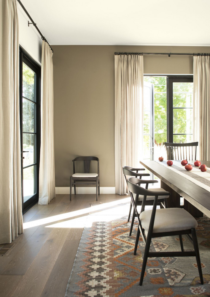 Airy ceiling to floor drapes