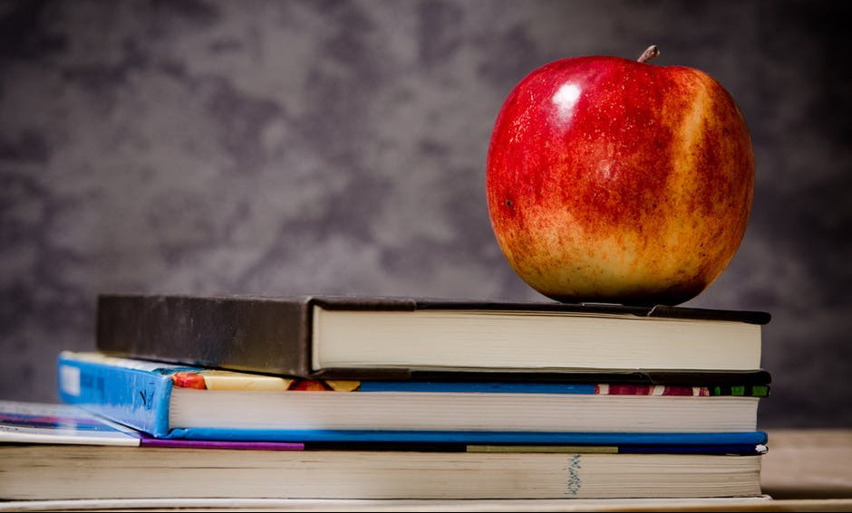 books and healthy fruit for college