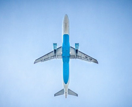 plane flying fast in air