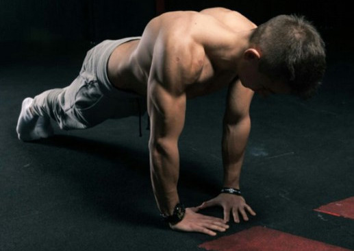 A-close-grip-or-diamond-push-up