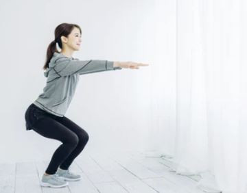 half squat- exercises with knee pain