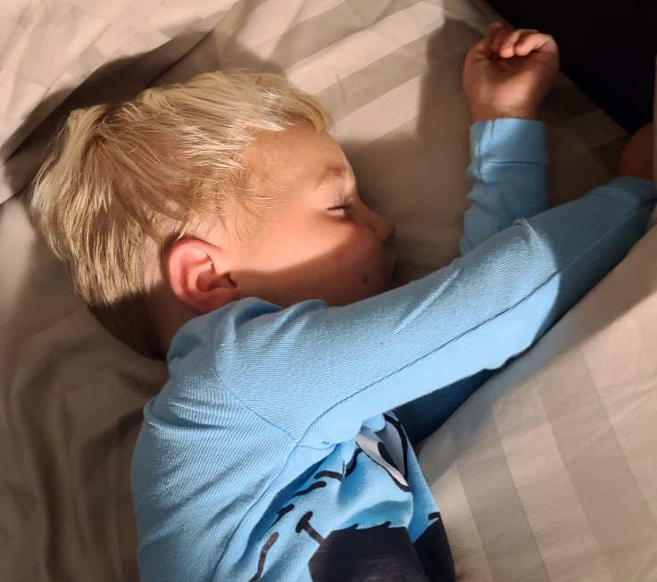 daylight savings time ends - toddler sleeping