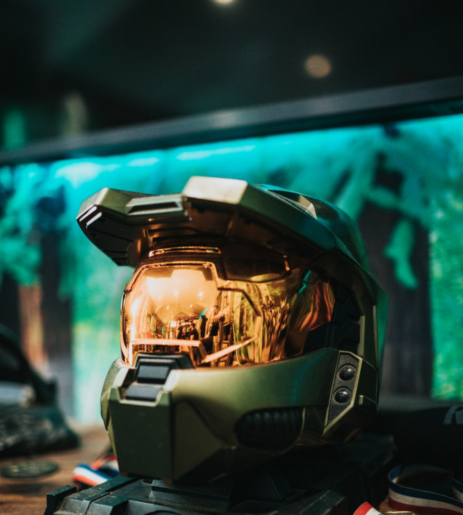 Image shows a helmet of the master chief, the main character of the Halo franchise