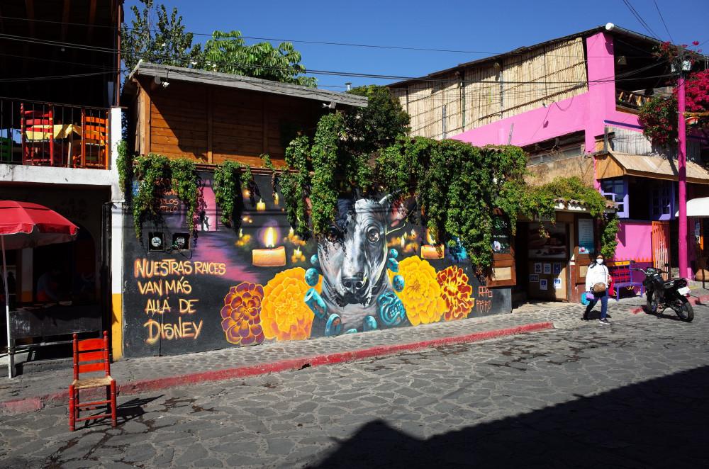 Mural showing Xoloitzcuintli