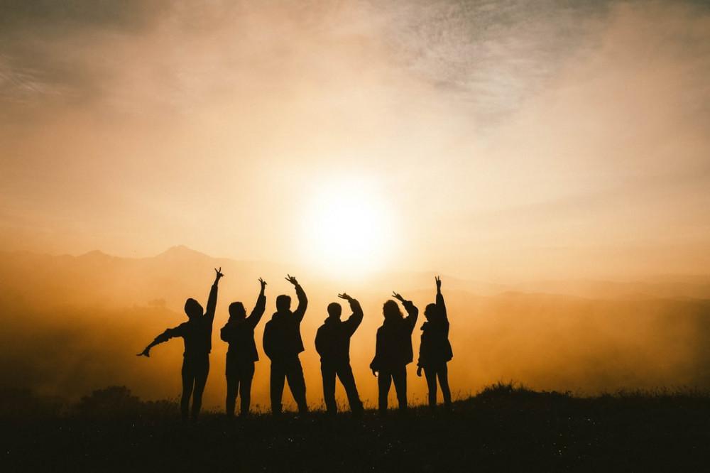 friends in sunrise