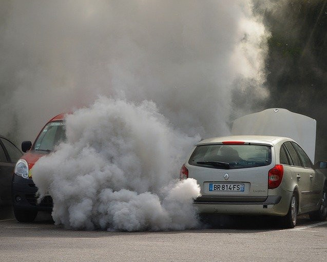air pollution from exhaust fumes