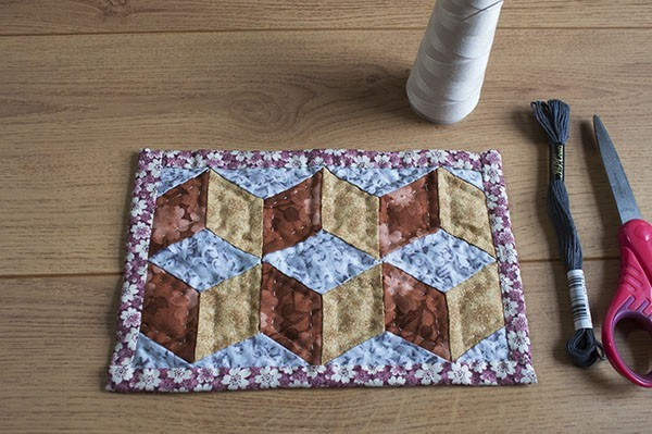 How To Make Tumbling Blocks - Patchwork