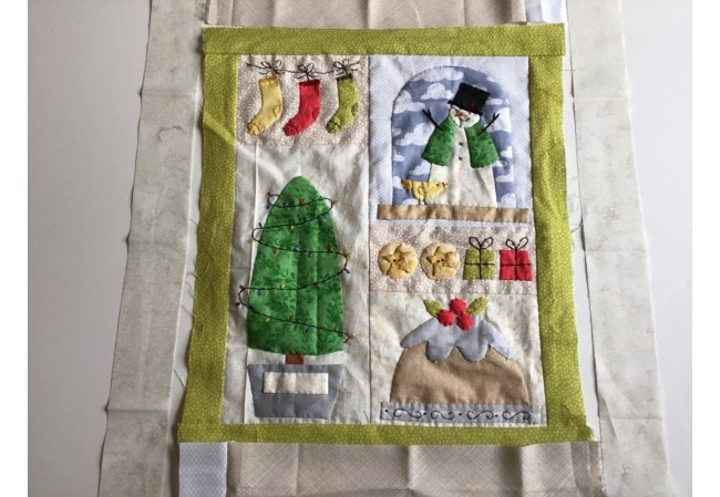 Quilting & Finishing The Christmas Mini Quilt