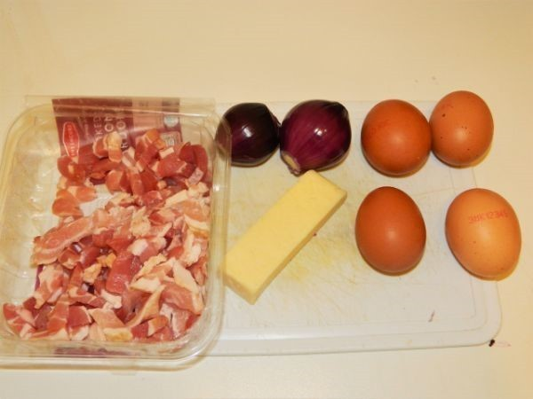 Eggs, smoked bacon, red onions and cheese.