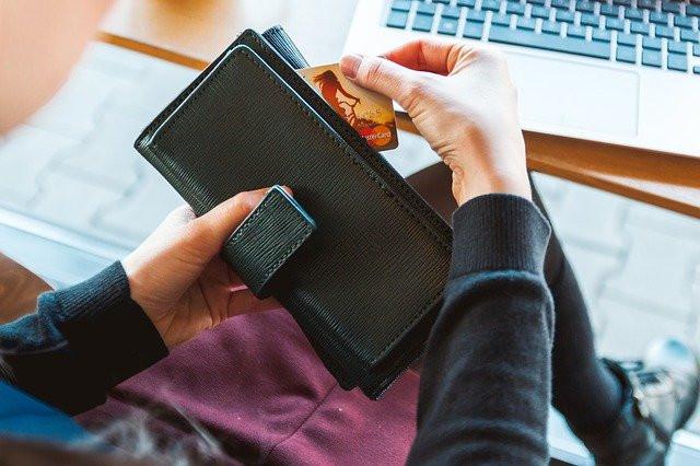 Spending Money in Online Business