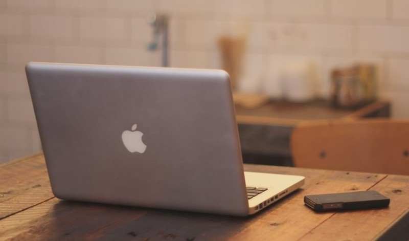 An apple laptop to signify become a freelance writer