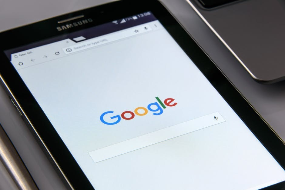 Google search window on an iPhone to signify get paid to search the web