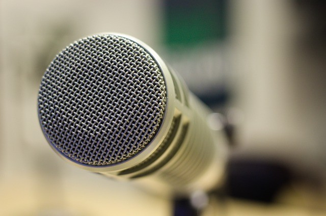A microphone to signify become a freelance interviewer