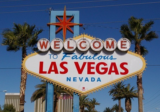 Sign reading WELCOME To Fabulous LAS VEGAS NEVADA as part of the services offered by Wealthy Affiliate to premium members who make 300 sales in any year