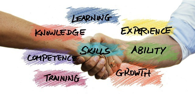 Two people shaking hands with powerful words like learning, knowledge, etc written around them to signify Summary list of 90 Reasons Why 90 percent of Online Businesses Fail - Part III• Unbalanced experience or lack of managerial experience