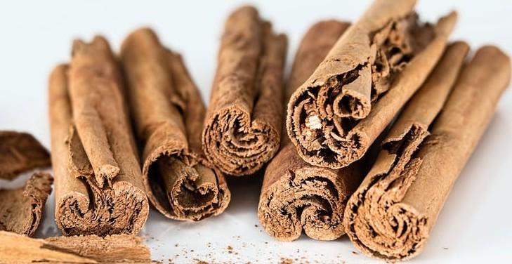 homemade detox tea cinnamon
