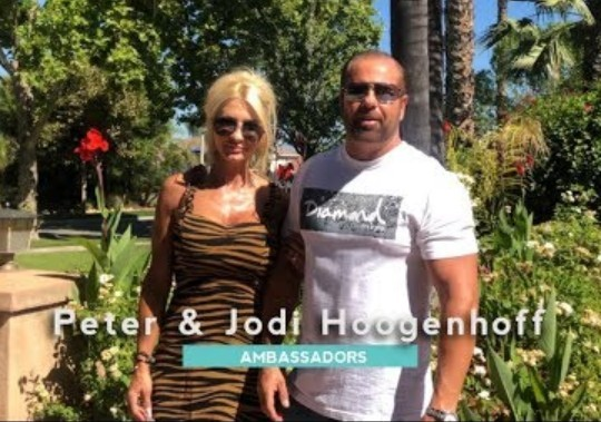 Peter Hoogenhoff & Jodi Hoogenhoff that new gel