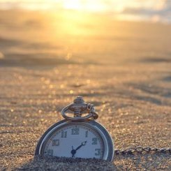 Learn to manage your time and be more productive