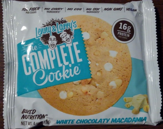 Lenny & Larry's White Chocolaty Macadamia Complete Cookie