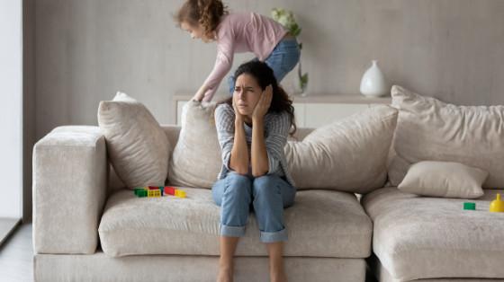 Overwhelmed Mom Houswork Childminding