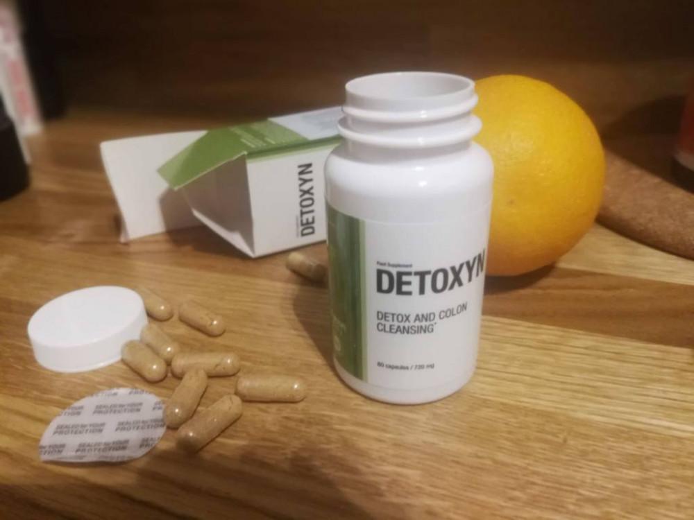detoxyn and an orange