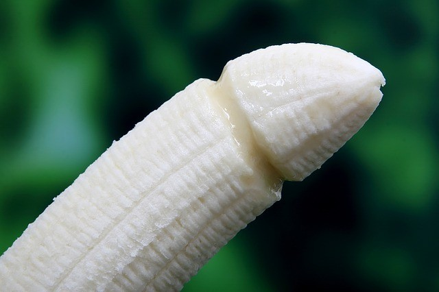 banana in penis shape