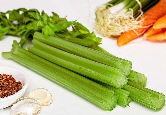 Celery 95.4% water
