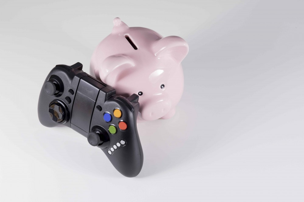 How To Earn Money Playing Video Games Featured Image