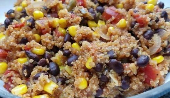 one pot mexican quinoa dish