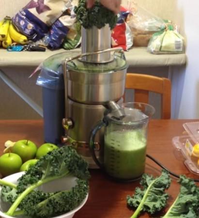 apples, kale, Breville Juice Extractor