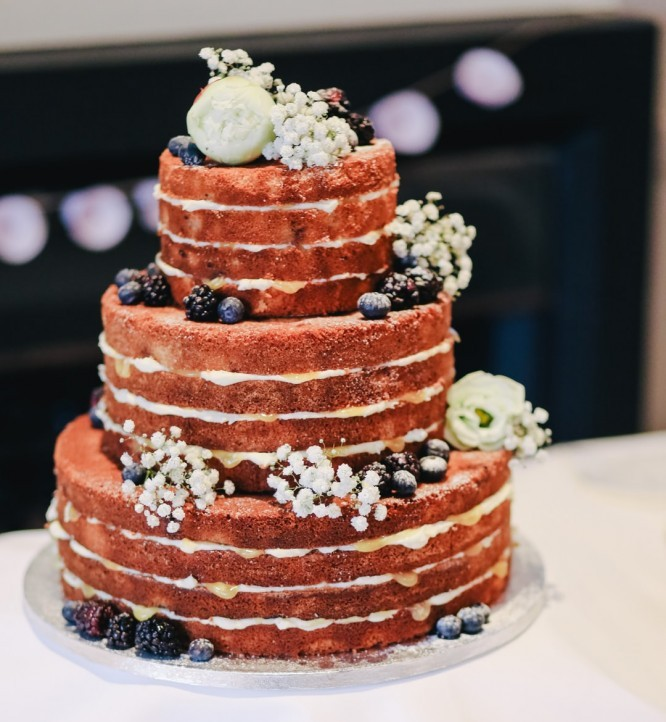 An example of a naked wedding cake